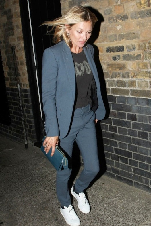 5-Le-Fashion-Blog-13-Ways-To-Style-A-Vintage-Tee-ACDC--Kate-Moss-Suit-Sneakers-Clutch.jpg~original