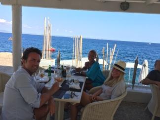 Lang lunsj med meget hyggelige folk.