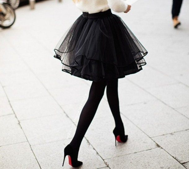 8e16m4-l-610x610-skirt-black-tutu+skirt-tutu-sheer-layered-lined-streetstyle-girly-beautiful-pretty-tights-shoes