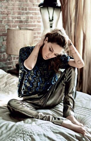 Erin-Wasson-Vogue-Russia-Home-Oracle-Fox.3