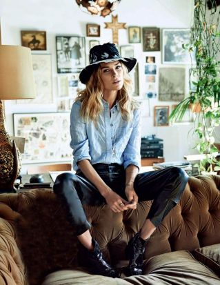 Erin-Wasson-Vogue-Russia-Home-Oracle-Fox