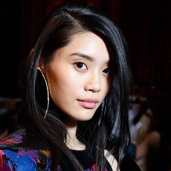 balmain-beauty-aw15-_-catwalk-beauty-looks-to-wear-in-real-life-_-beauty-trends-_-red-online-2