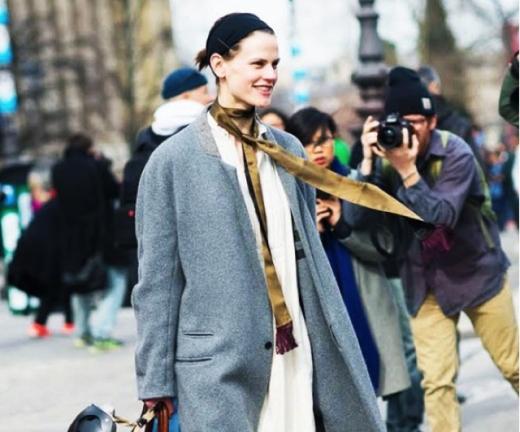 street-style-skinny-scrf-grey-oversized-coat