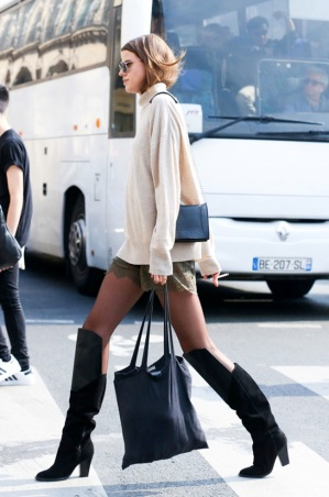 http%3A%2F%2Fi1196.photobucket.com%2Falbums%2Faa419%2Flefashion%2Flefashion200%2FLe-Fashion-Blog-Paris-Street-Style-Turtleneck-Sweater-Lace-Shorts-Knee-High-Boots-Fall-Transition-Via-Elle