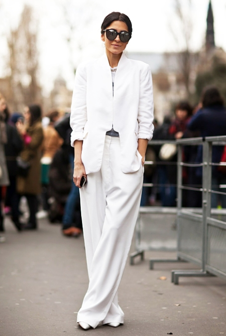 2-Street-style-in-white-x468